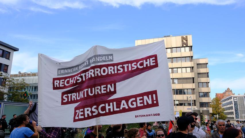 NM..Foto: Günter Distler..Motiv: Demo des antifaschistische Aktionsbündnis Nürnberg (AAB) gegen rechten Terror: