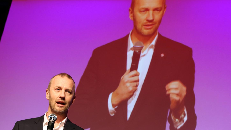 Der kaufmännische Vorstand des 1. FC Nürnberg, Niels Rossow, plant mittelfristig mit etwa 100 Millionen Euro Umsatz.