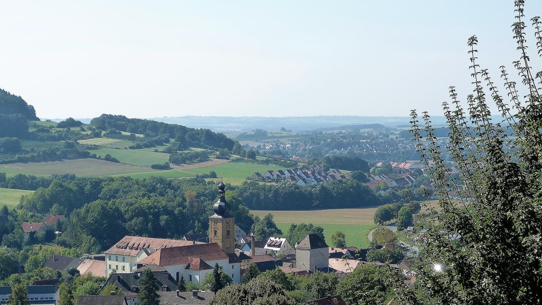 Das Kloster Weißenohe beherrscht das Ortsbild von Weißenohe. Die Gemeinde lässt sich den Umbau zu einer Chorakademie einiges kosten.