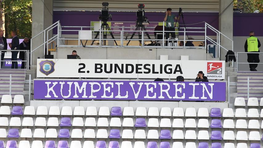 Freundschaftlich geht es auf dem Rasen selbstverständlich nicht zu, wenn der 1. FC Nürnberg zu Gast ist bei Erzgebirge Aue. Als Kumpelverein dürfen sich die Veilchen zweifellos dennoch bezeichnen.