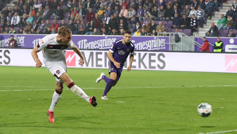 Da muss doch jetzt mal einer rein! Hanno Behrens' und sein Club fokussieren einen wichtigen Heimsieg gegen Aue.