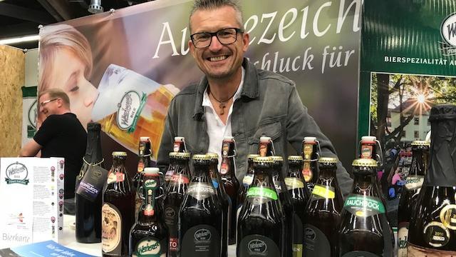 Aus Viereth-Trunstadt in der Nähe von Bamberg stammt das Weiherer Bier. Verantwortlich dafür ist Oswald Kundmüller, der die Familienbrauerei mit Craftbeer-Variationen wie dem