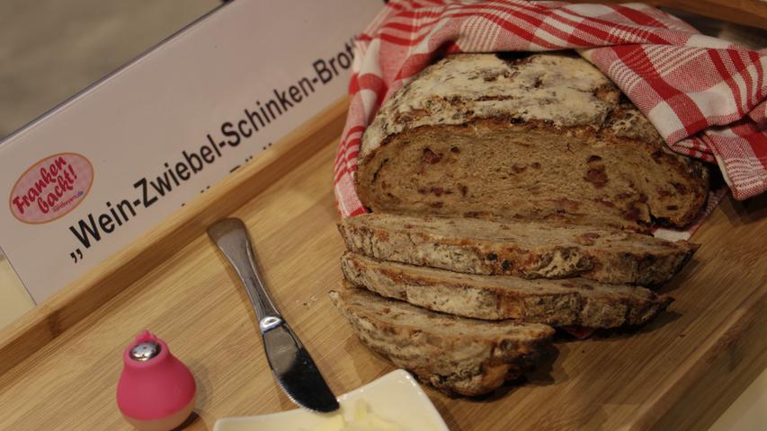 Julia Rüdiger setzte ein deftiges Wein-Zwiebel-Schinken-Brot.