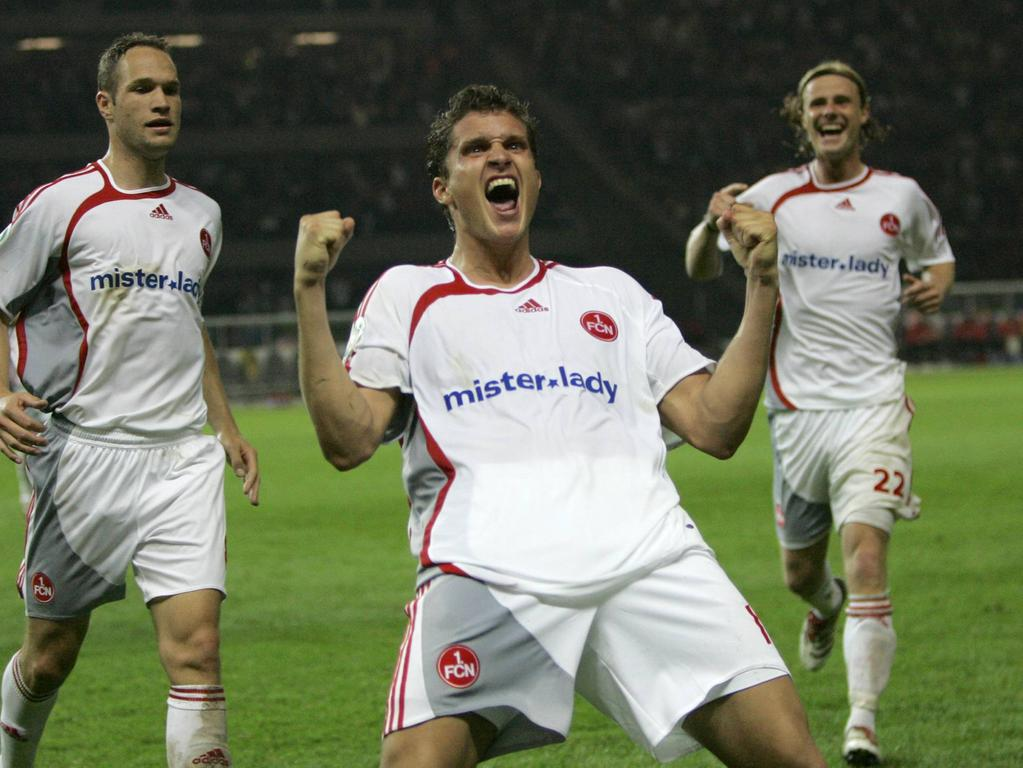 26.05.2007 --- DFB-Vereinspokal --- Finale: VfB Stuttgart - 1. FC Nürnberg --- Foto: Sport-/Pressefoto Wolfgang Zink --- Jan Kristiansen jubelt nach dem Tor zum 2:3 -- hinter ihm Jan Pollak und Marco Engelhardt
