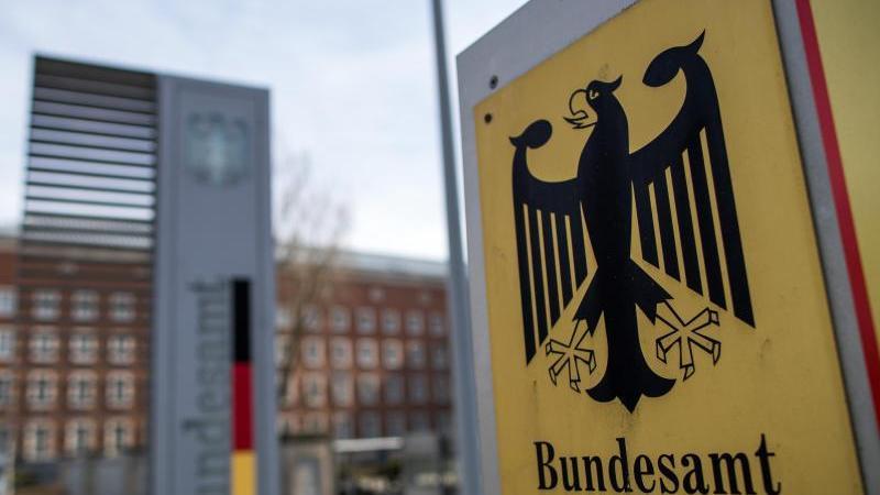 Beim in Nürnberg beheimateten Bundesamt für Migration und Flüchtlinge (inklusive der Stellen in Zirndorf und Fürth) arbeiten 2623 Beschäftigte.