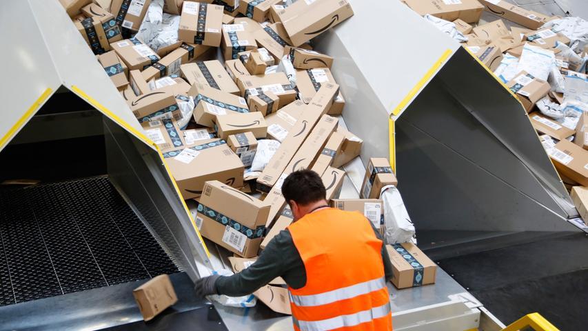 Pakete ohne Ende: So läuft's im Amazon-Sortierzentrum bei Eggolsheim