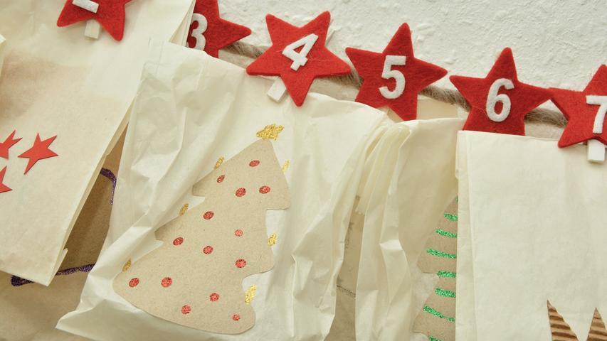 Adventskalender selber basteln: 24 Ideen zum Befüllen der Geschenke