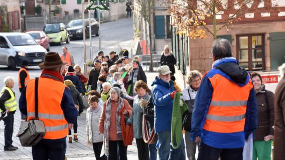 Awo-Aktion: 800 Schals gegen soziale Kälte - Nordbayern.de