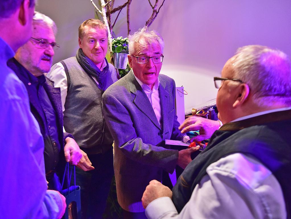 70igster Geburtstag von..Bürgermeister Franz Streit..in der Volksban Eventhalle....Fotograf: Jürgen Petzoldt....Bankdaten: FlessaBank Fürth..Iban: DE95793301110000411227