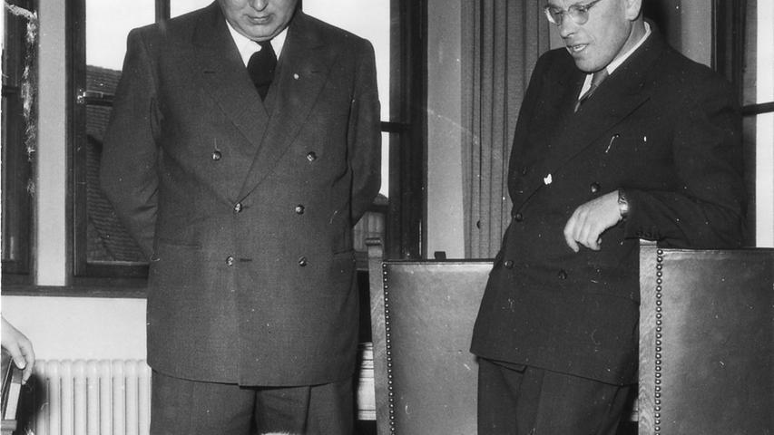 Nürnberg, Fünfziger Jahre, 1950er, MOTIV: Tiergarten, Eisbären beim Bürgermeister. FOTO: Keystone, 01.04.1953 Originaltext: