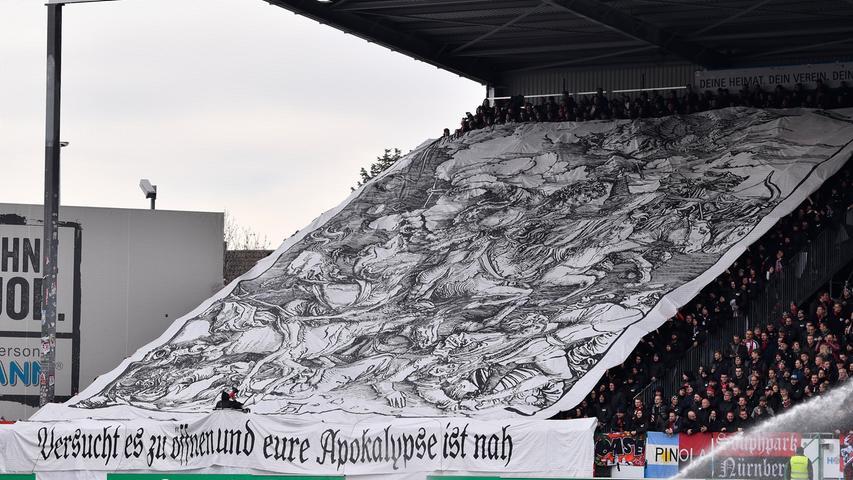 24.11.2019 --- Fussball --- Saison 2019 2020 --- 2. Fussball - Bundesliga --- 14. Spieltag: SpVgg Greuther Fürth ( Kleeblatt ) - 1. FC Nürnberg Nuernberg FCN ( Club ) --- Derby Frankenderby ---Foto: Sport-/Pressefoto Wolfgang Zink / WoZi --- .DFL regulations prohibit any use of photographs as image sequences and/or quasi-video --- Choreo Choreografie Clubfans