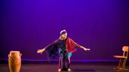 Die Erlanger Tänzerin Sylvia Mograbi präsentierte in der Nürnberger Fertigungshalle ihr neues Programm.