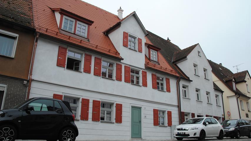 Die Benkendorfer Straße: Auch das ist ein Projekt der Gewobau, ein saniertes Denkmalschutz-Haus.