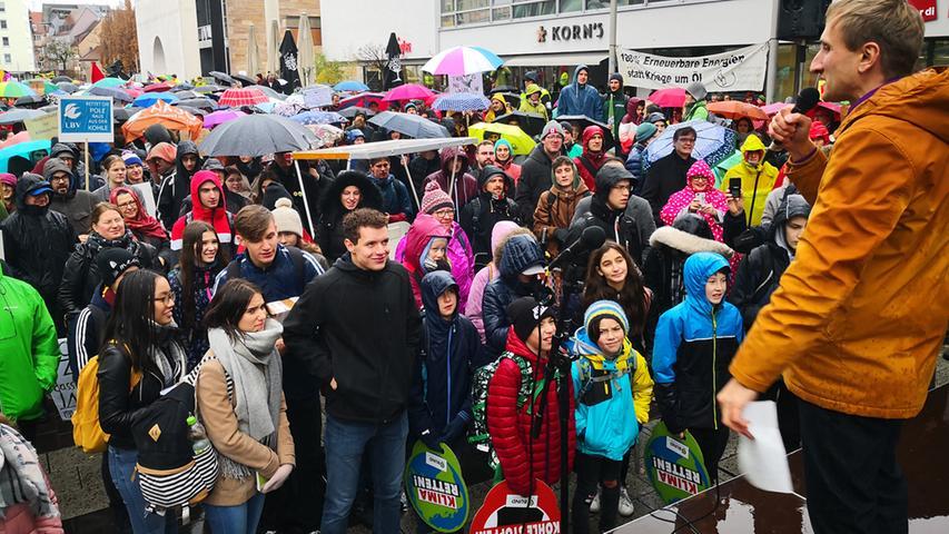 Globale Demo: Hunderte Klimaschützer streiken in Nürnberg