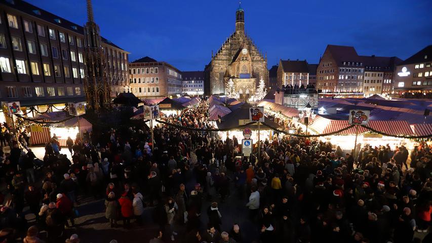 LOKALES                                               Foto: Eduard Weigert  Datum:  29.11.19 #CMK19 Eröffnung Christkindlesmarkt