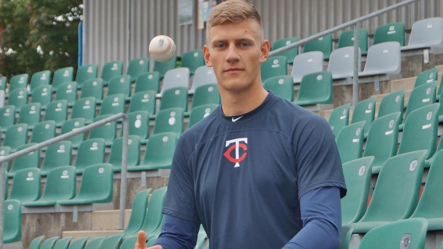 Drei spezielle Würfe beherrscht Niklas Rimmel als Pitcher im Baseball schon. An einem vierten arbeitet der ehemalige Spieler der Fürth Pirates gerade.