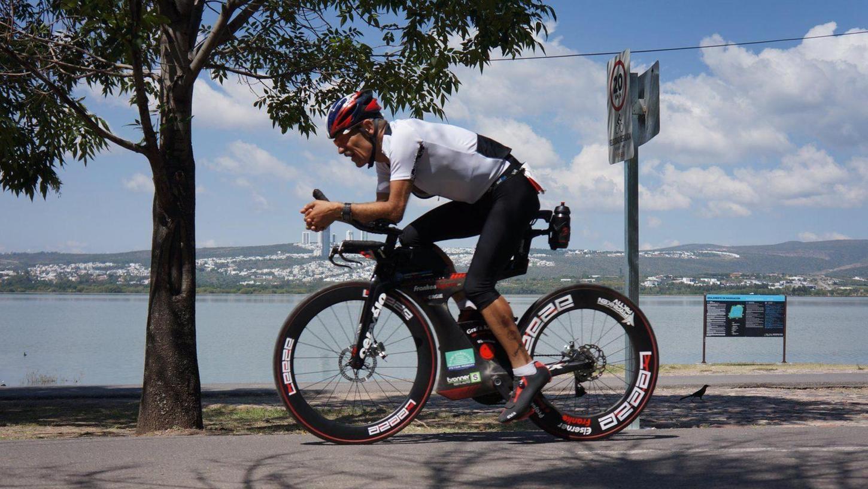 Schwimmen, Radfahren, Laufen: Triathlon ist eine Obsession für Bernhard Nuss. Den Sport an sich will er aber jedermann näherbringen.