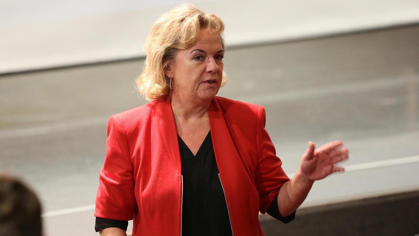 Alexandra Hiersemann kämpft im Petitionsausschuss für viele Menschen, auch für junge Flüchtlinge und Konvertiten.