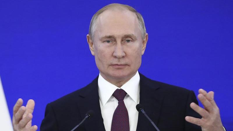 Kremlchef Wladimir Putin kommt in Sotschi mit deutschen Topmanagern zusammen.