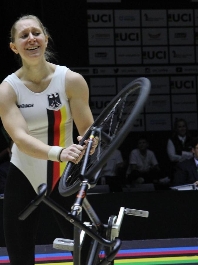 Während bei Milena Slupina Zentnerlasten von der Seele purzelten, stapelten sich die Punkte zu für die Konkurrenz unerreichbaren 189,73 auf.