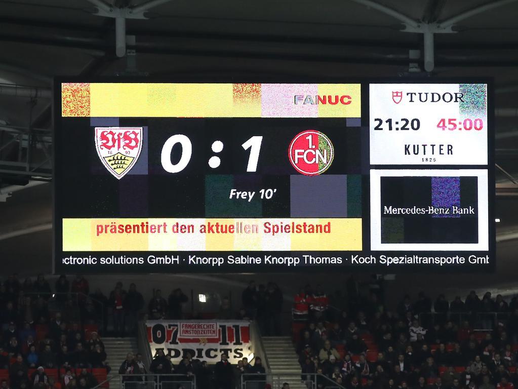 09.12.2019 --- Fussball --- Saison 2019 2020 --- 2. Fussball - Bundesliga --- 16. Spieltag: VfB Stuttgart - 1. FC Nürnberg Nuernberg FCN ( Club ) --- Foto: Sport-/Pressefoto Wolfgang Zink / DaMa --- ..DFL regulations prohibit any use of photographs as image sequences and/or quasi-video ---......Anzeigentafel mit Halbzeitstand 0:1 für den FCN