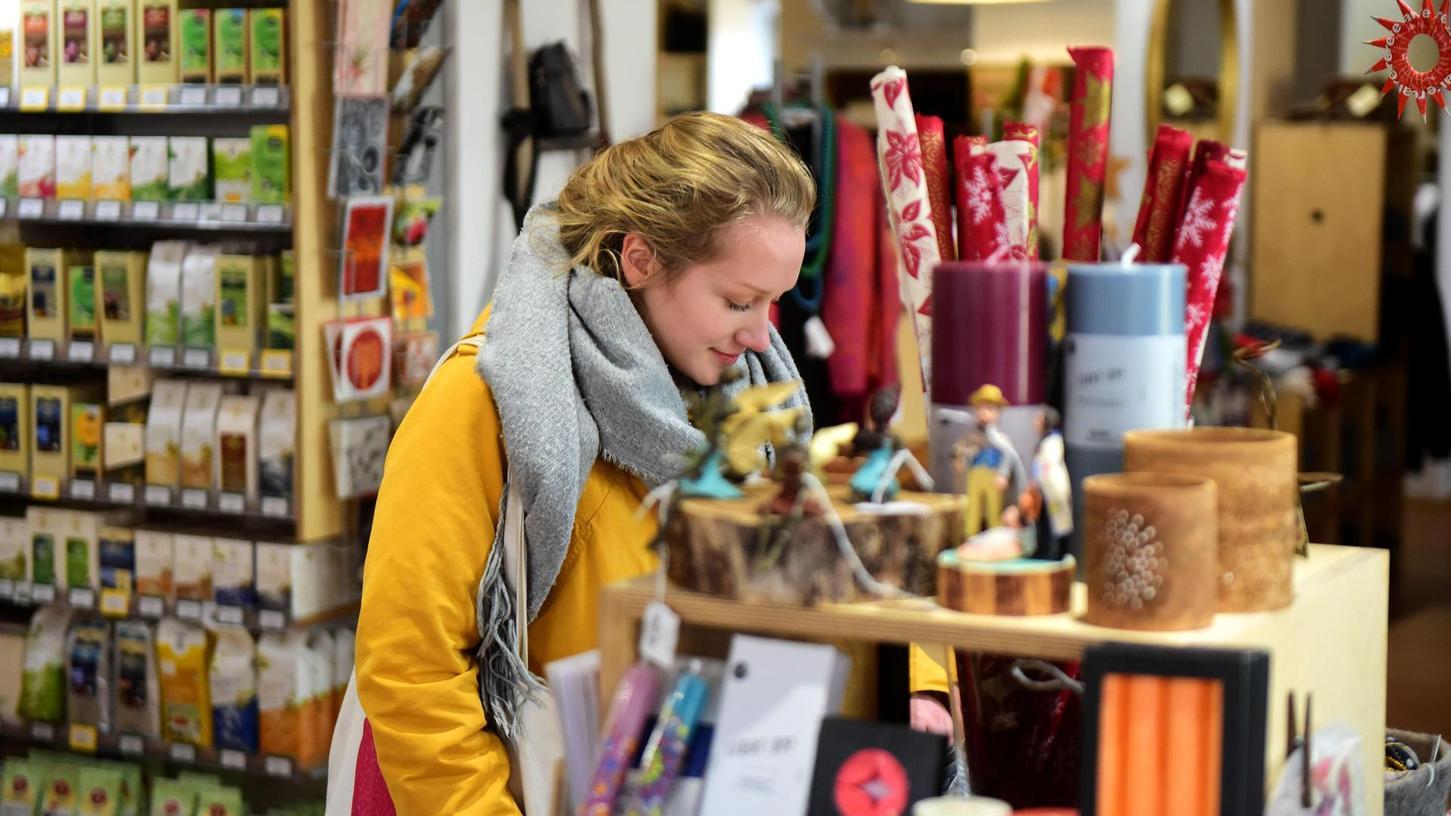 Wer vor Weihnachten Geschenke aus fairem Handel sucht, ist hier auf jeden Fall richtig: Das Welthaus in der Gustavstraße 31 ist aber mehr als ein Laden, hier findet auch viel Bildungsarbeit und Vernetzung statt.