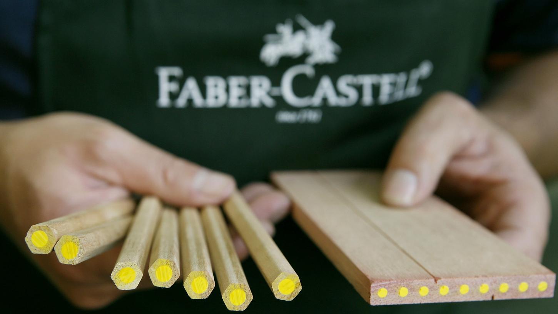Der Schreibwaren-Hersteller Faber-Castell aus Stein fertigt auch zahlreiche Varianten von Buntstiften.