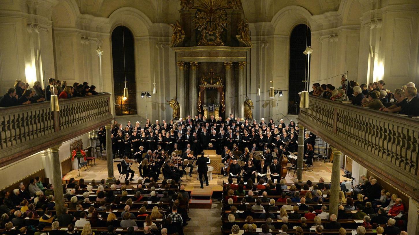 Bis auf den letzten Platz gefüllt war die Altstädter Kirche bei der Aufführung des Weihnachtsoratoriums von Johann Sebastian Bach.