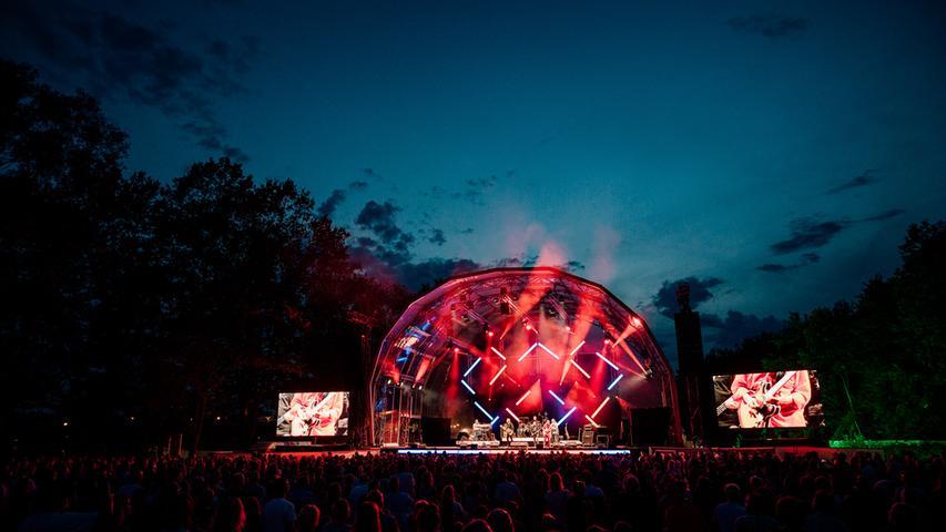 Bei Klassik am See am Dechsendorfer Weiher erklingt am 29. Juli Mozarts Zauberflöte. Ljubka Biagioni zu Guttenberg wird dieses Jahr sowohl die musikalische Leitung, als auch die Regie übernehmen.
