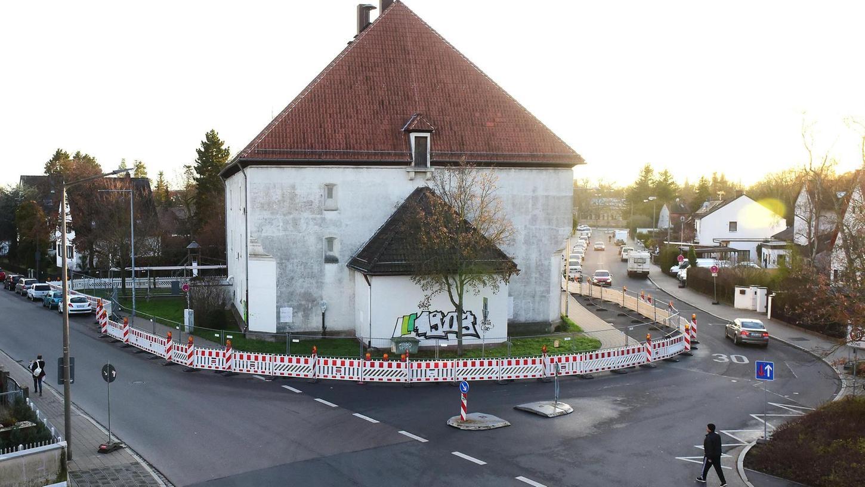Der Hochbunker wurde ähnlich einer Kirche gebaut – das sollte bewirken, dass das Gebäude nicht angegriffen würde.