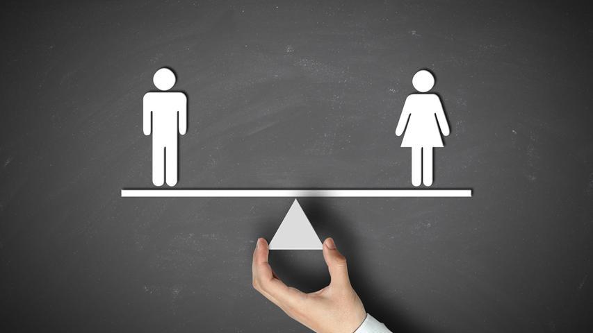 Eine neue Bundesstiftung mit Sitz in Berlin soll sich künftig für den Abbau von Benachteiligungen von Frauen in Deutschland einsetzen. Die