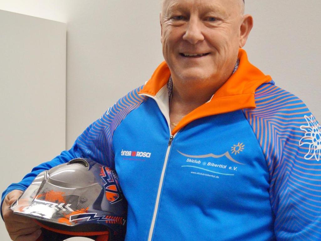 Heinz Straßner tauscht den Ski- bisweilen gerne gegen den Wanderstock.