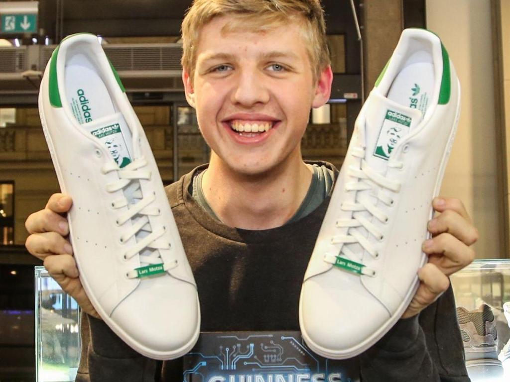 Schuhgröße 57: Adidas stellt Weltrekord Schuh her