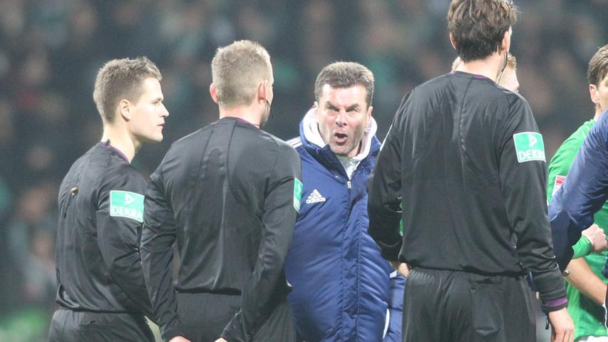 In seinem letzten Spiel als FCN-Trainer beim SV Werder Bremen war er schlecht auf Schiedsrichter Manuel Gräfe zu sprechen, dessen Gespann ein spätes Gegentor aus Abseitsposition durchgehen ließ.
