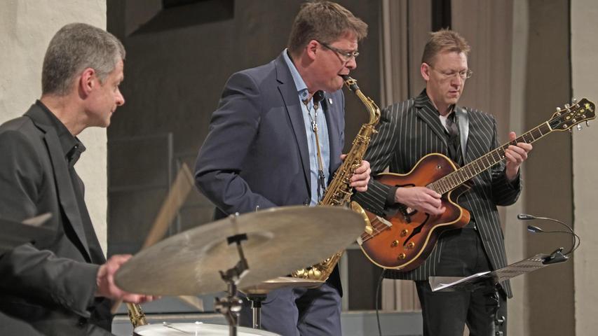 Feiner Jazz: Das Klaus Bleis Trio mit Klaus Bleis, Harald Dösel und Nico Knoll (von links). Nicht im Bild ist Bassist Georg Rosenbauer.