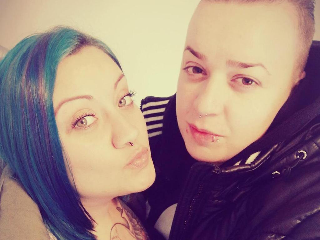Erste Zeit lesbische Begegnungen Rohre
