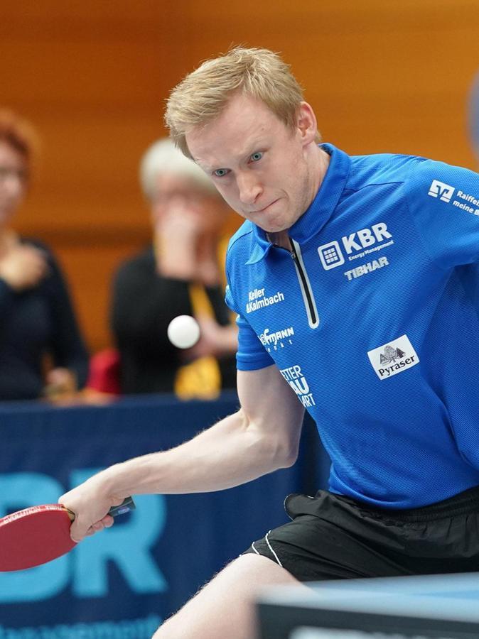 Der Mann hat das kleine, runde Weiße immer im Blick: Alexander Flemming, Tischtennis-Spieler des TV Hilpoltstein und Weltcup-Sieger im Clickball.