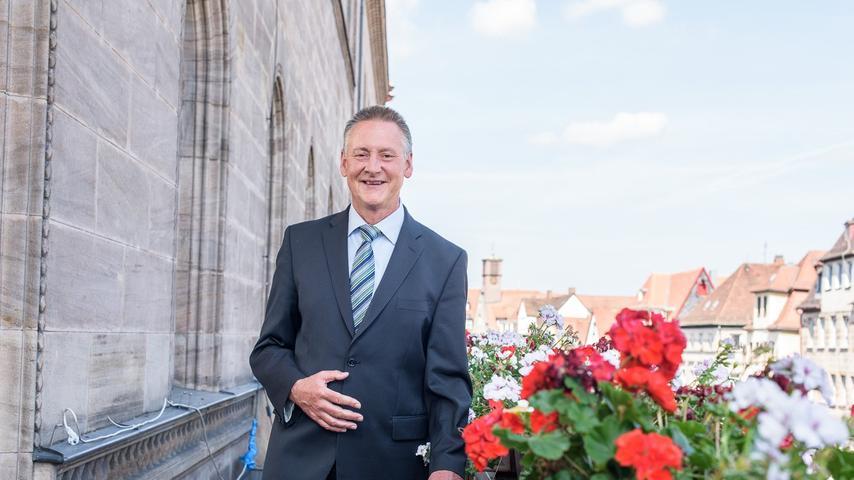 Triumph für den Amtsinhaber: Seit 2002 ist Thomas Jung (SPD) Oberbürgermeister der Stadt Fürth. Nun haben ihm die Bürger erneut ihr Vertrauen ausgesprochen - mit deutlicher Mehrheit. Hier geht es zum kompletten Artikel.