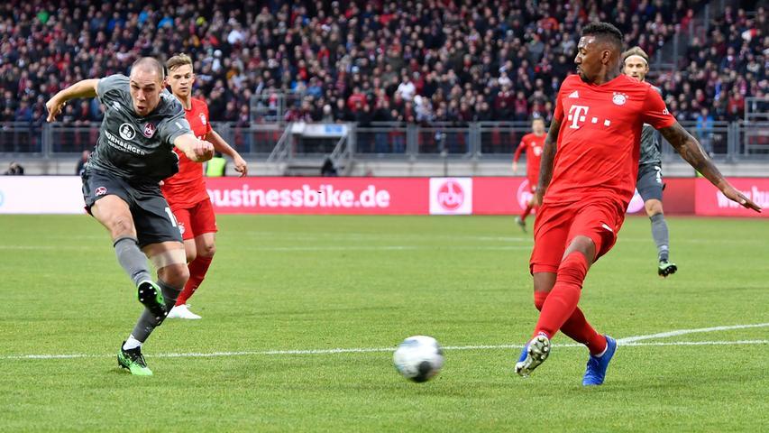 11.01.2020 --- Fussball --- Saison 2019 2020 --- Testspiel / Freundschaftsspiel: 1. FC Nürnberg FCN ( Club ) - FC Bayern München FCB --- Foto: Sport-/Pressefoto Wolfgang Zink / WoZi --- ..Michael Frey (14, 1. FC Nürnberg / FCN ) Jerome Boateng (17, FC Bayern München FCB )