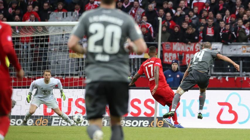 11.01.2020 --- Fussball --- Saison 2019 2020 --- Testspiel / Freundschaftsspiel: 1. FC Nürnberg FCN ( Club ) - FC Bayern München FCB --- Foto: Sport-/Pressefoto Wolfgang Zink / DaMa --- ....Tor Treffer Torschuß zum 1:0 - Torschütze Michael Frey (14, 1. FC Nürnberg / FCN ) gegen Manuel Neuer (1, FC Bayern München FCB )