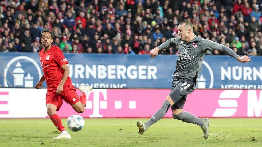 11.01.2020 --- Fussball --- Saison 2019 2020 --- Testspiel / Freundschaftsspiel: 1. FC Nürnberg FCN ( Club ) - FC Bayern München FCB --- Foto: Sport-/Pressefoto Wolfgang Zink / DaMa --- ....Tor Treffer Torschuß zum 3:1 - Torschütze Adam Zrelak (11, 1. FC Nürnberg / FCN ) gg Sven Ulreich (26, FC Bayern München FCB )