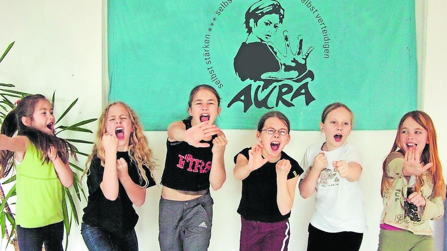 """Beim Nürnberger Verein Aura lernen bereits junge Mädchen lautstark """"Nein"""" zu sagen und sich selbst zu verteidigen."""