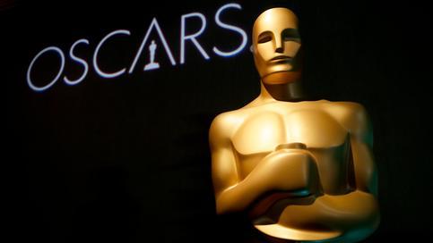 04.02.2019, USA, Beverly Hills: Eine Oscar-Statue steht beim 91. Oscar-Nominierten-Lunch vor dem Schriftzug.