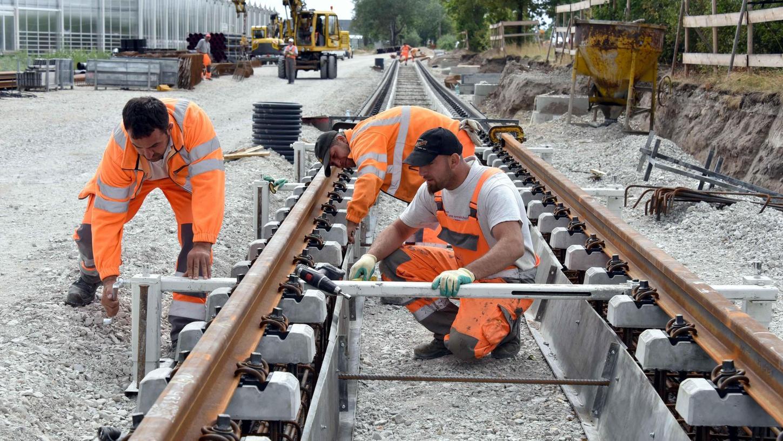 """Ob und wann Schienen für die Stadt-Umland-Bahn (StUB) im östlichen Landkreis Erlangen-Höchstadt verlegt werden können, steht noch in den Sternen. Die Stadt Erlangen würde aber einen sogenannten """"Ostast"""" finanziell mitunterstützen."""