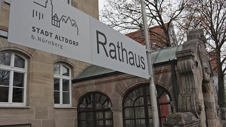 Spannend: Wird die Anzahl der Unterschriften reichen für die Neulinge, die sich am 15. März zur Wahl stellen wollen? In Altdorf versucht sich die Satirepartei Die Partei.