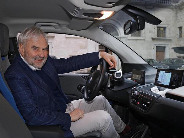 Nürnbergs Umweltreferent Peter Pluschke schwärmt von seinem E-Dienstwagen. Der Grüne möchte ihn nicht mehr missen.