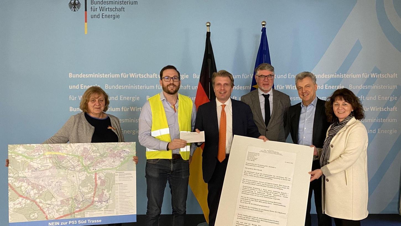 Gespräch im Wirtschaftsministerium (von links): Lina Hummel, Christian Strobl, Staatssekretär Thomas Bareiß (CDU), Rainer Kleedörfer (N-Ergie), Detlef Wagner und die Erlanger SPD-Bundestagsabgeordnete Martina Stamm-Fibich.