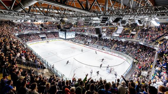 Fans in Stadion und Arena: Es bleibt kompliziert