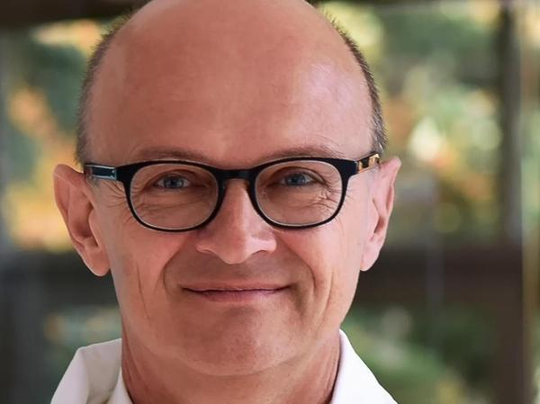 Professor Armin Ensser