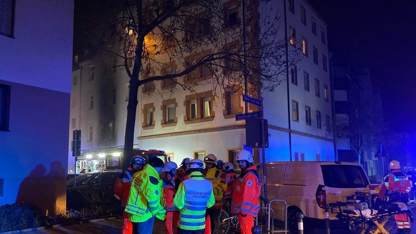 Tragödie in Nürnberger Südstadt: Bewohnerin stirbt bei Wohnungsbrand